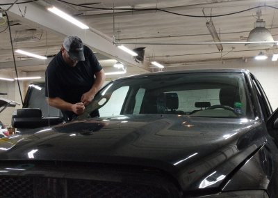 The fastest and efficient auto glass replacement!